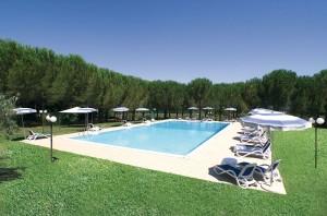 residence scarlino - Dettaglio Pineta con Piscina 10x20mt - Ranch Hotel